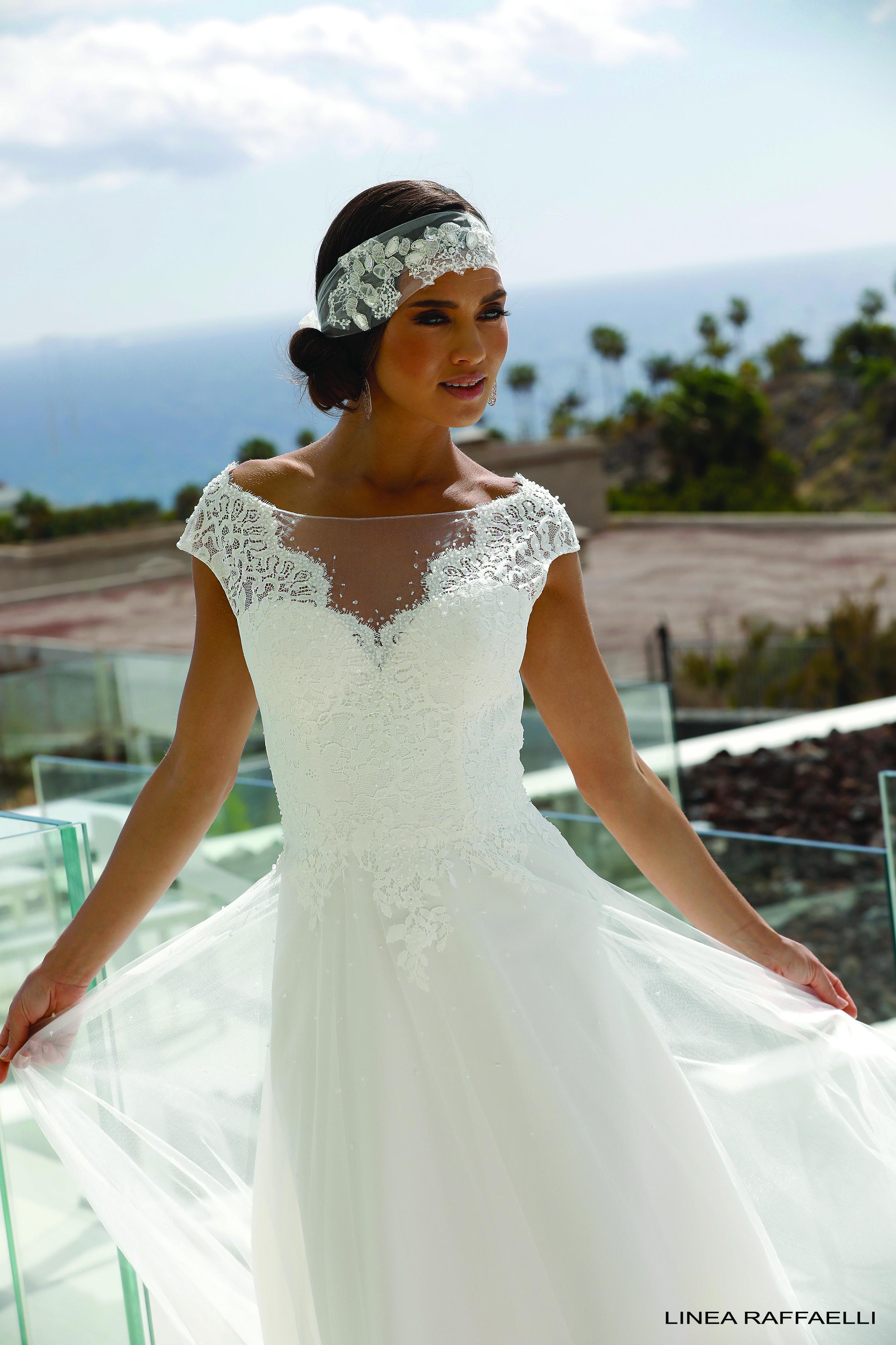 Tendances mariage : la robe de mariée dorée a tout pour